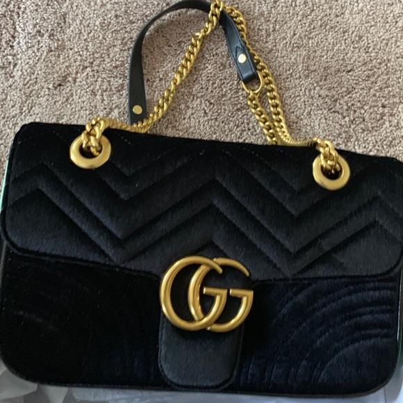 Gucci Handbags - GUCCI MARMONT VELVET BAG.